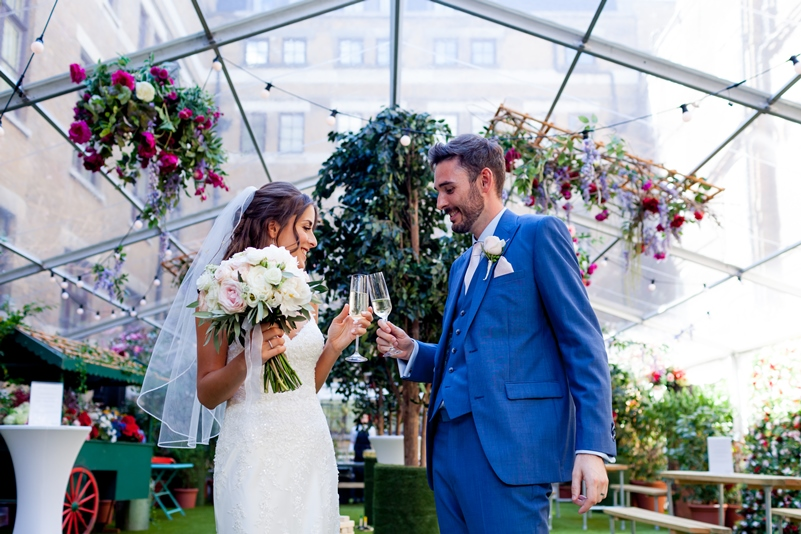 Amazing glass marquee for weddings