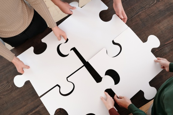 Making a jigsaw as a team building activity